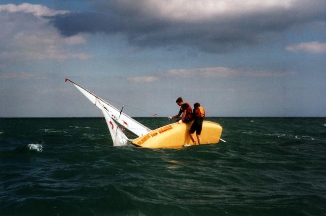 capsize (2)